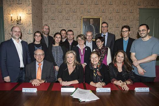 Photo de la signature de la CCT
