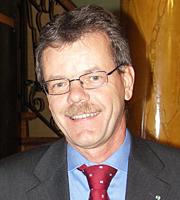Photo du préfet M. Etienne Roy